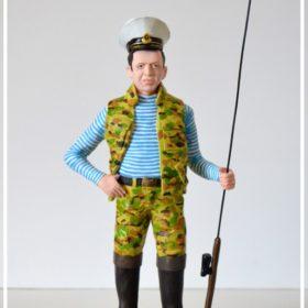 Портретная фигурка рыбака